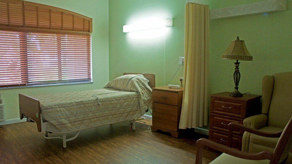 regent-park-sunrise-bedroom-01