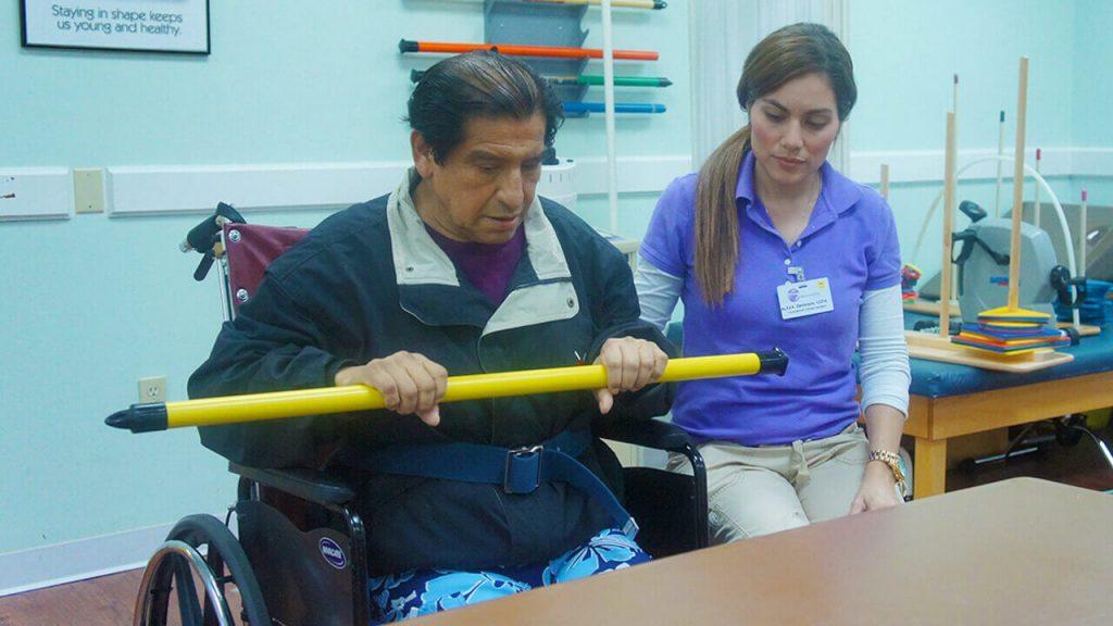 regent-park-sunrise-physical-therapist-and-patient